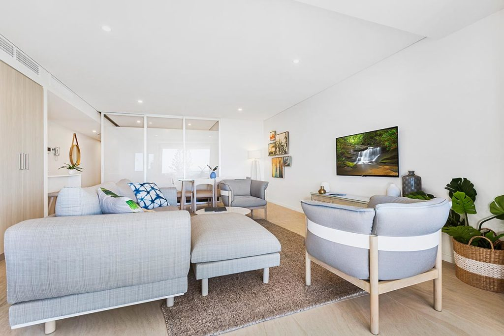 1200-2bed-ff-ocean-view-mooloolaba-accommodation1