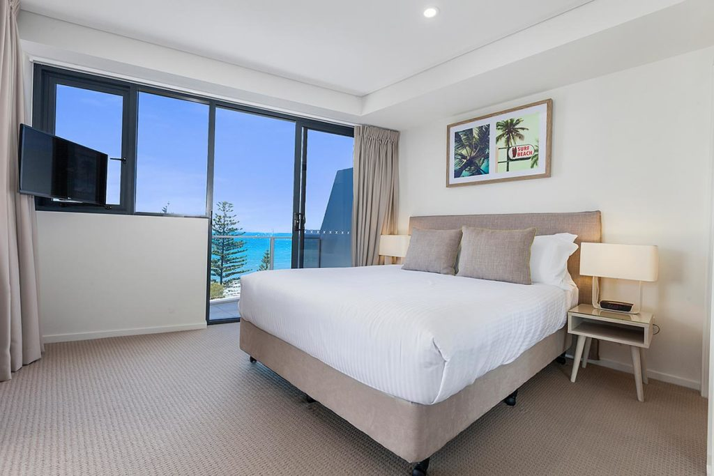 1200-2bed-ff-ocean-view-mooloolaba-accommodation2