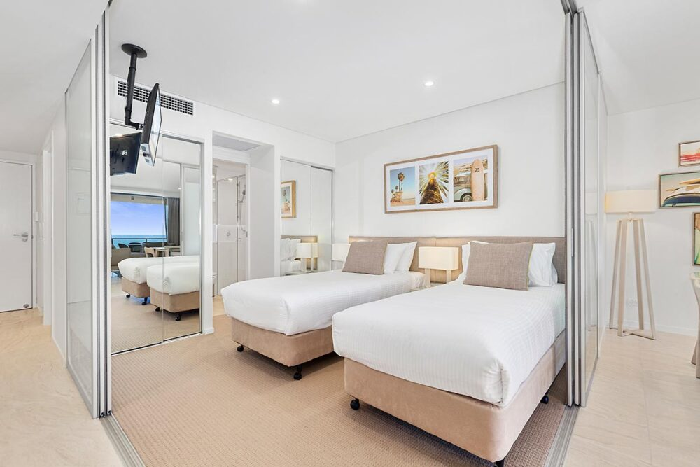 1200-2bed-ff-ocean-view-mooloolaba-accommodation4