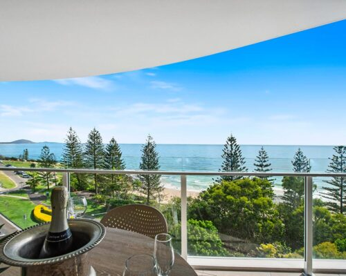 1200-2bed-premium-ocean-view-mooloolaba-accommodation4