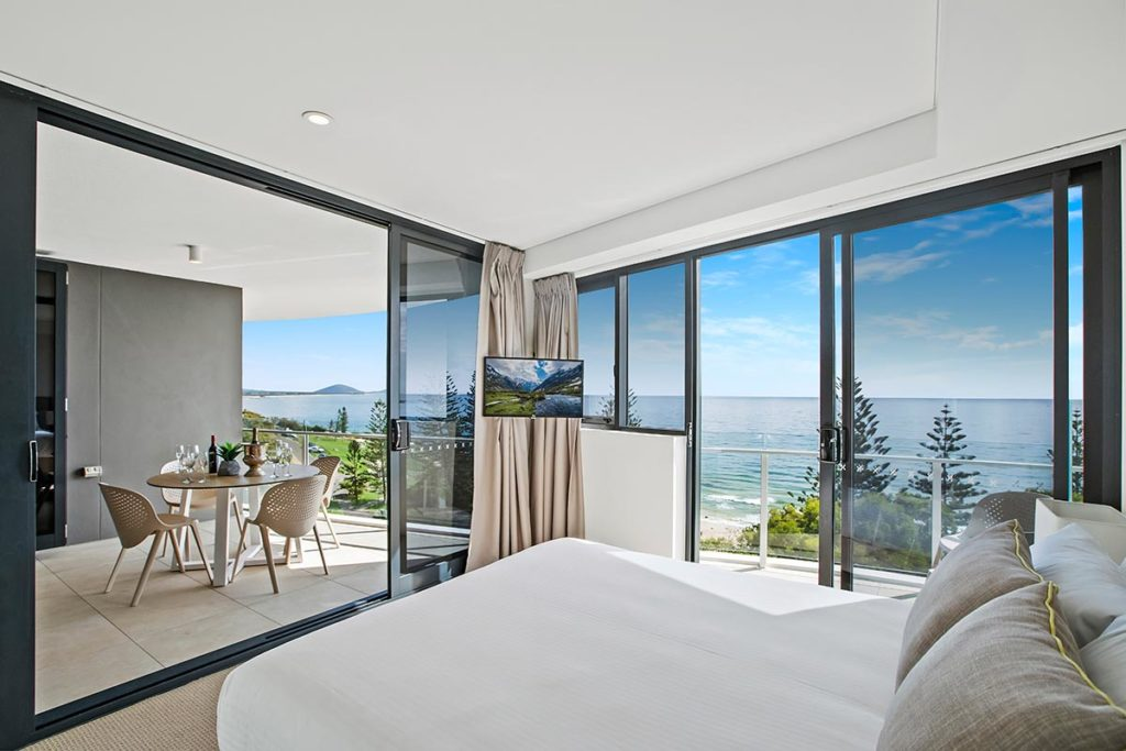 1200-2bed-premium-ocean-view-mooloolaba-accommodation5